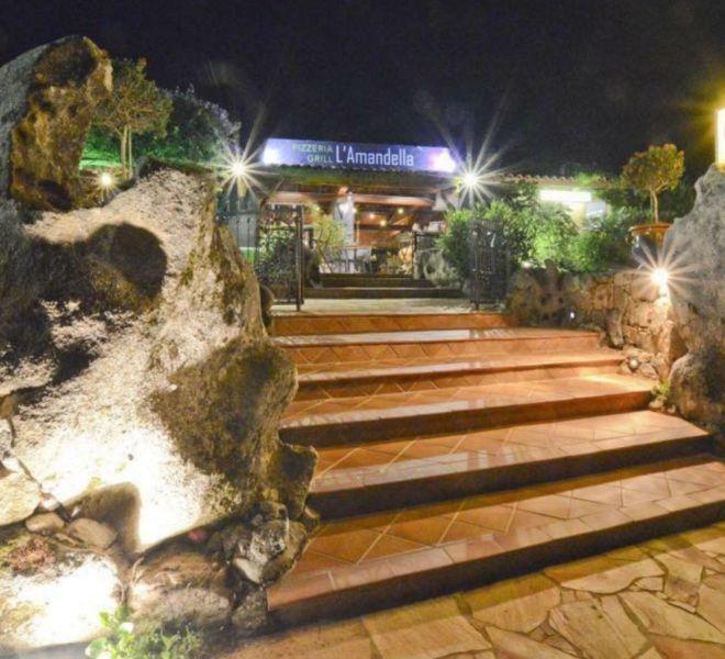 location porto vecchio camping mobil-home entrée restaurant palombaggia